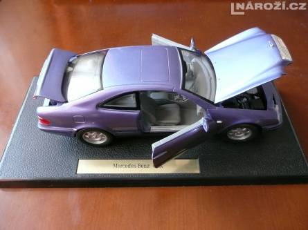 model auta MERCEDES-BENZ CLK' 1:18' nove